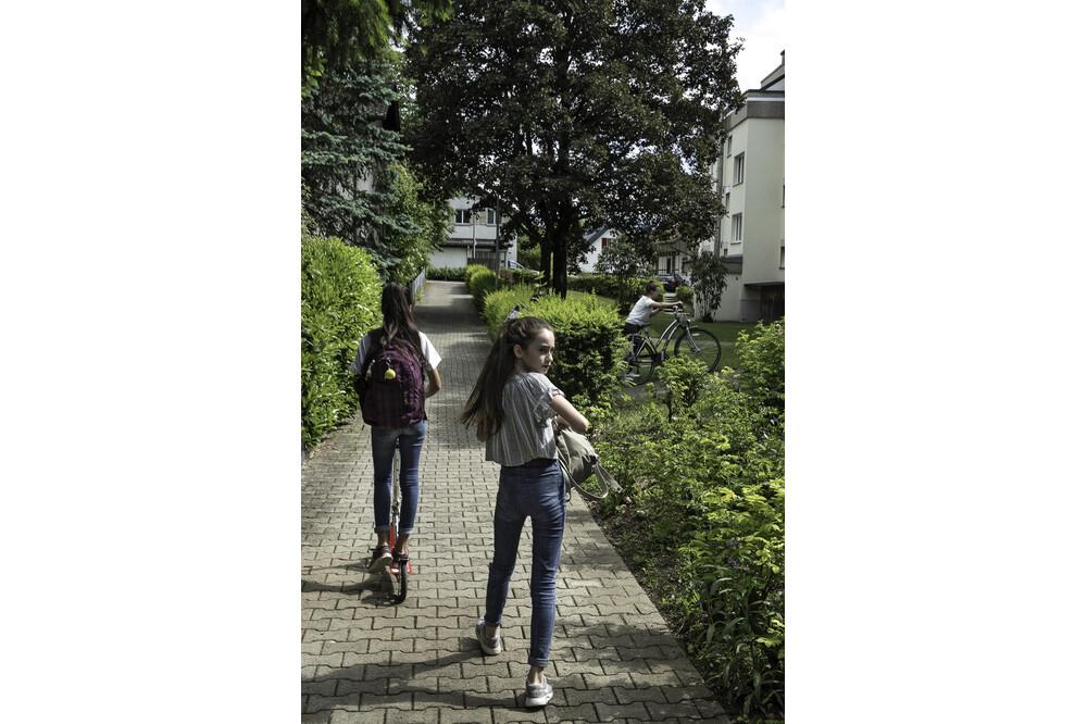 Muensingen Kids Girls Jürg Ramseier Fotograf Bern